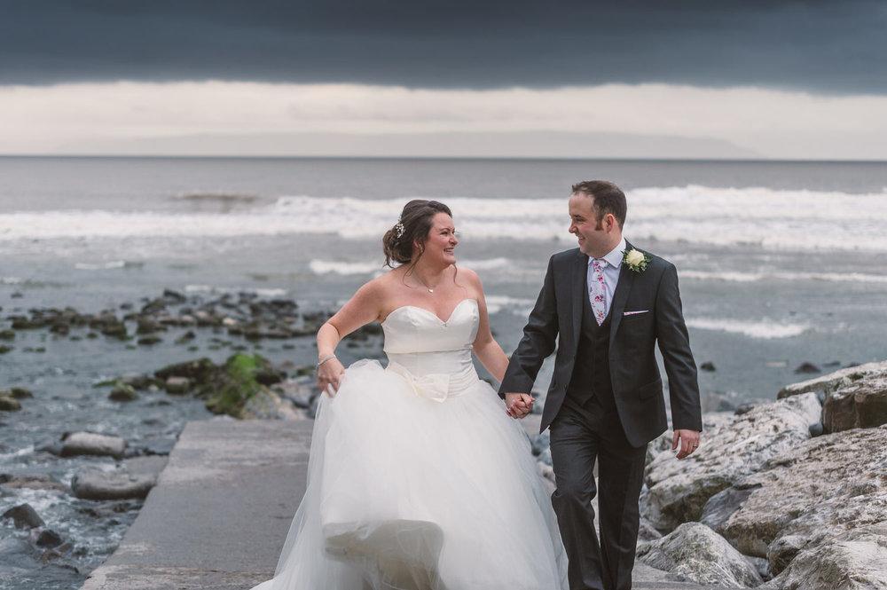 Cardiff wedding photographer rosedew farm barn wedding0023.jpg