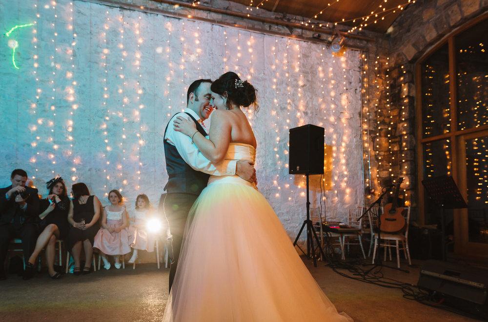 Cardiff wedding photographer rosedew farm barn wedding0029.jpg
