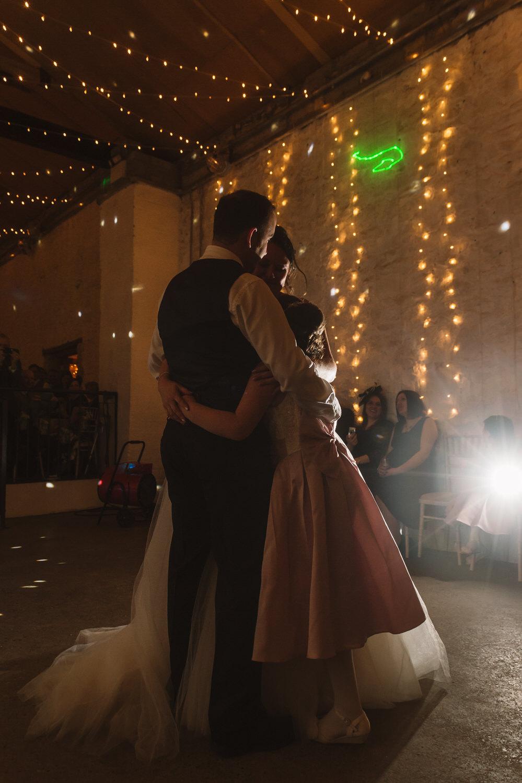 Cardiff wedding photographer rosedew farm barn wedding0031.jpg
