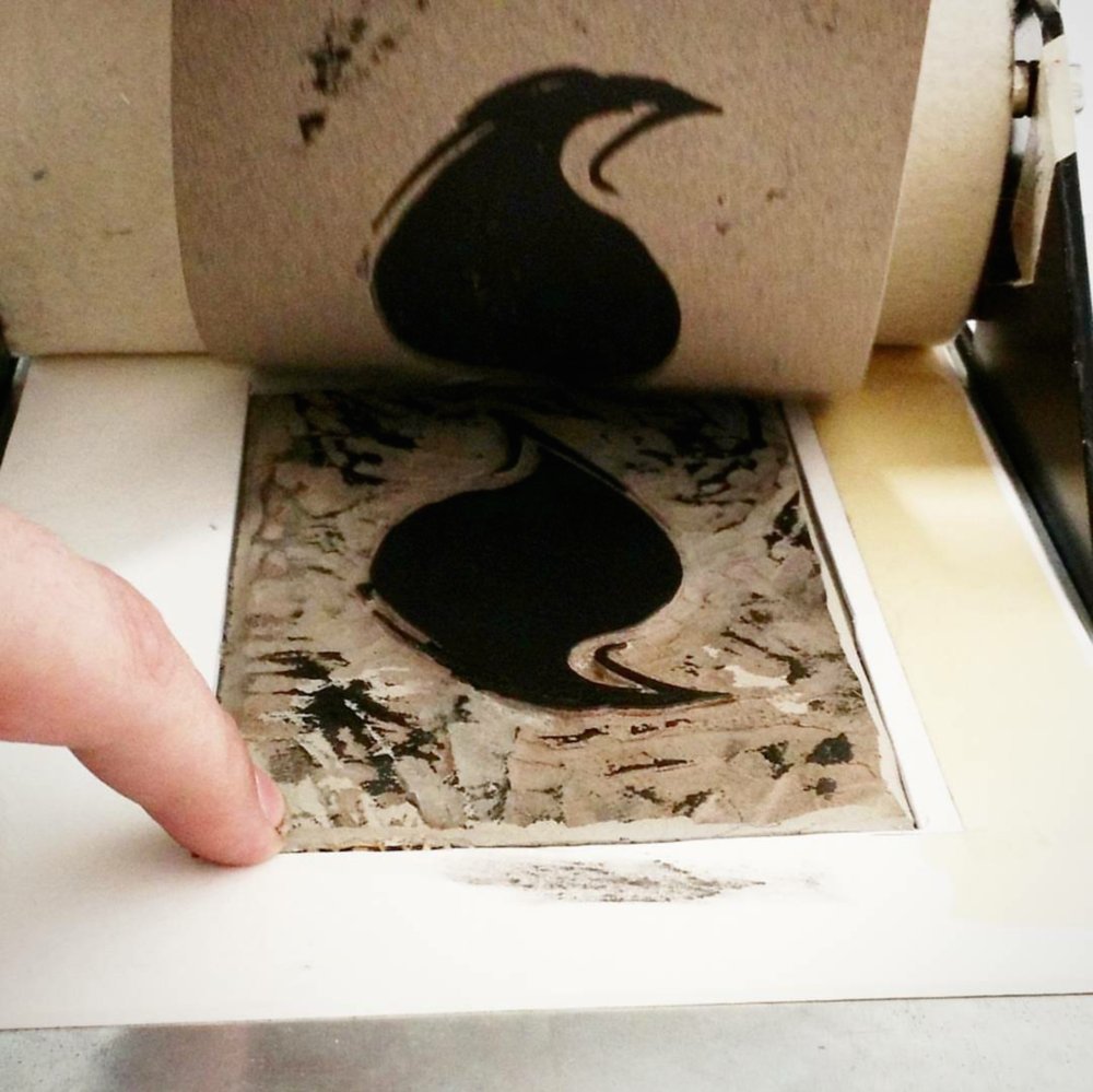 Lonely Crow Print Pull
