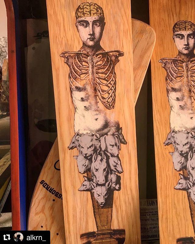 #Repost @alkrn_ I love me some Screen Printing! Check out this Artist when you get a chance! #justprintmaking #art #artist #artistsofinstagram #print #Printmaking #screenprinting #featuredartist . . . ・・・ Fig. No. 2  College digital Impreso en madera con aplicaciones de hoja de oro falso y acrílico. Todo esto para la familia de @venenooficial . . . . #skateboard #veneno #wood #serigrafia #screenprint #afiche #taller #printmaker #cartel #poster #collage #c_expo #printlife #grafica #GraficaMexicana #alkrn #Qro #Explet