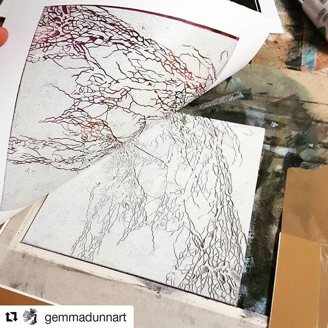 #Repost @gemmadunnart Stunning! Check out this Artist when you get a chance! #justprintmaking #art #artist #artistsofinstagram #print #printmaking #reveal #featuredartist . . . ・・・ And another one! Eeee!  I LOVE proofing new work, so exciting to peel and reveal 😁