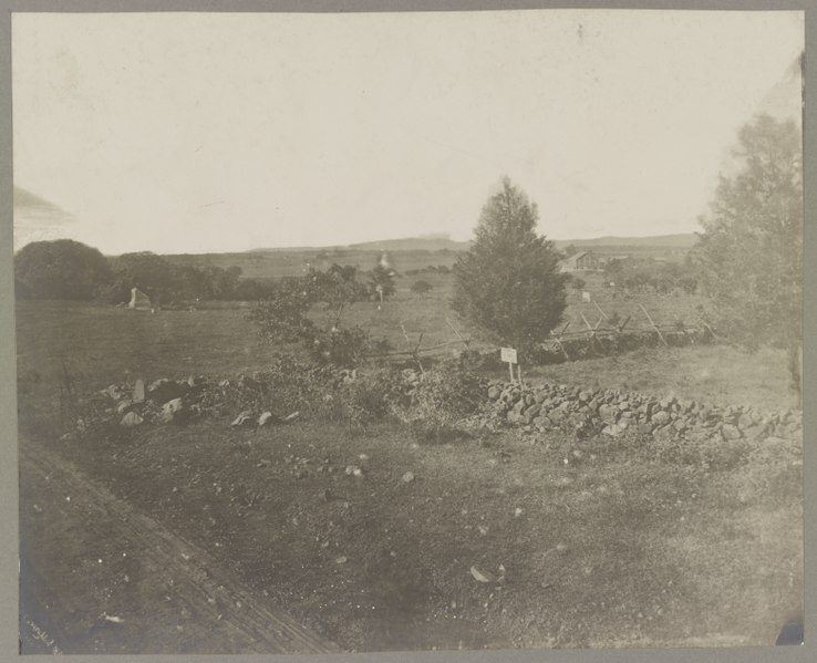 Gettysburg,_battlefield_of,_Scene_of_Pickett's_charge,_974_LCCN2012647714.jpg