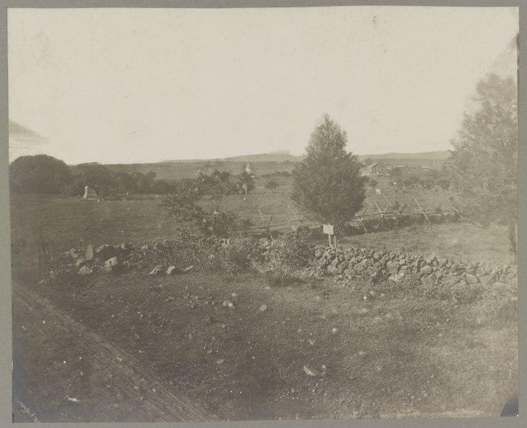 Gettysburg,_battlefield_of,_Scene_of_Pickett's_charge,_974_LCCN2012647714.jpg