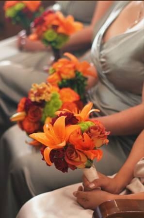 bridesmaid's bouquets.jpg