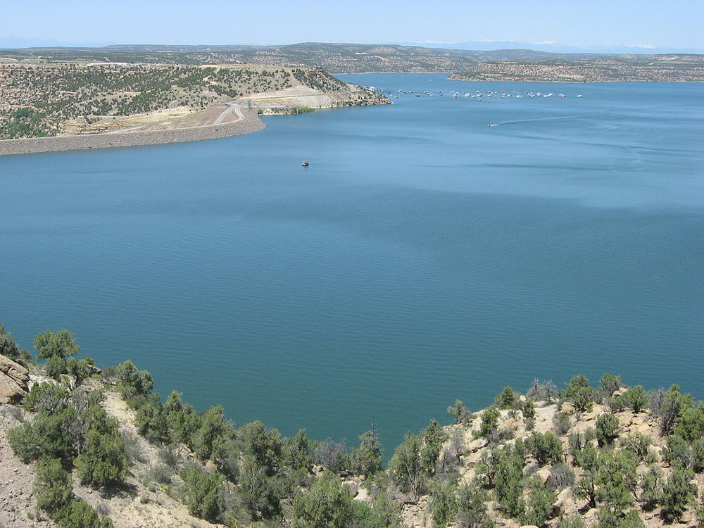 Navajo Lake  by  Timthefinn  is licensed under CC BY-SA 3.0