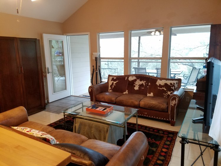 The Perch Family Dog Friendly Vacation Rentals On Lake Travis In