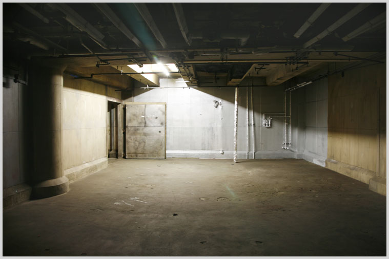basement_jail_07.jpg