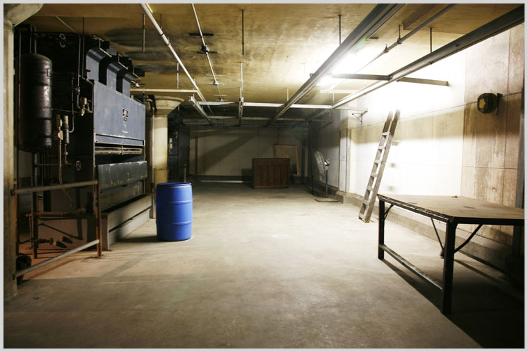 basement_jail_08.jpg