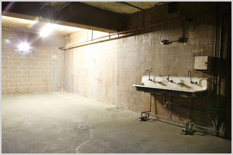 basement_jail_21.jpg