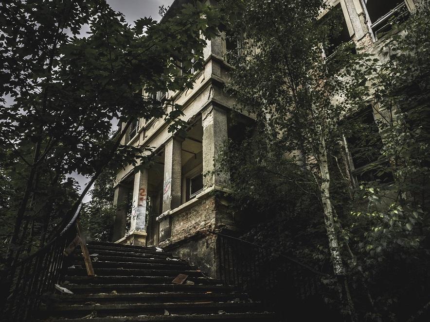 scary mansion.jpg