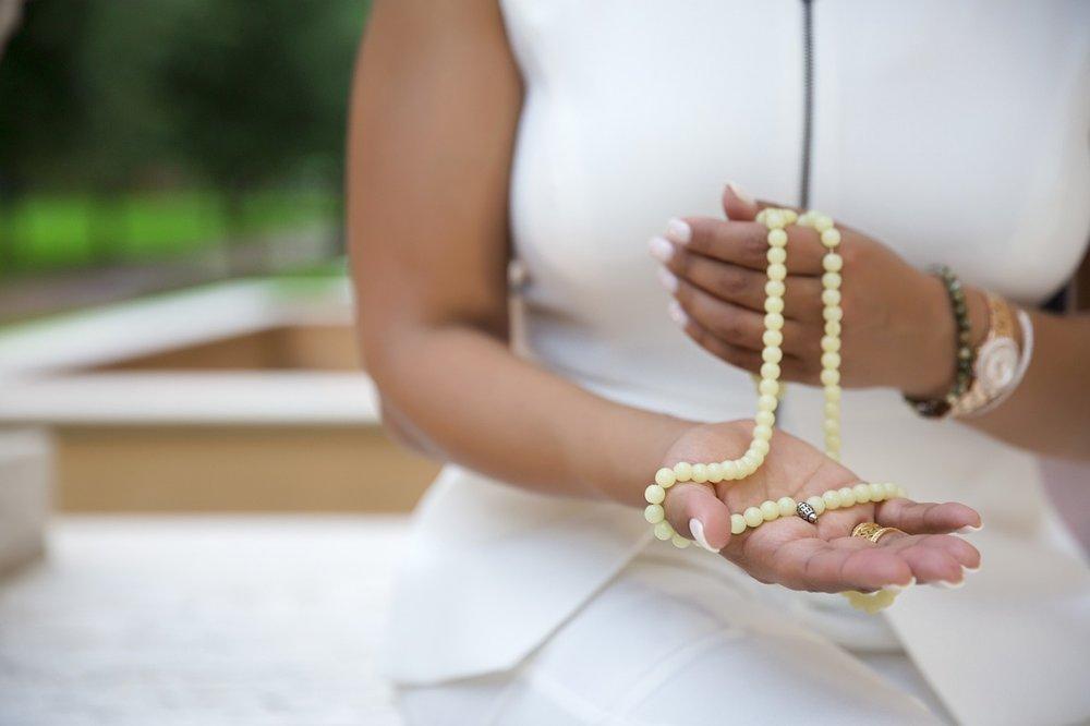 meditation mala woman-3065533_1280.jpg