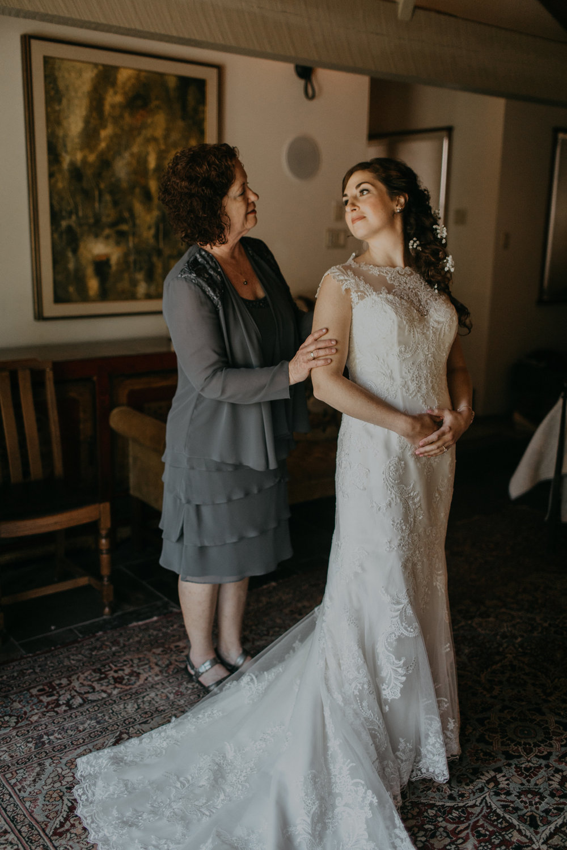 Kingston_House_Wedding_Allie+Cameron-85.jpg