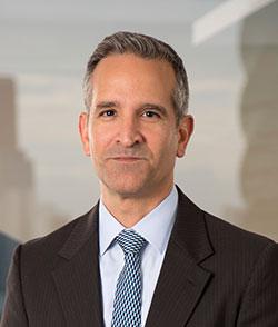 Fernando Duque  Secretario de la Junta Directiva Bristol Hospitality Group