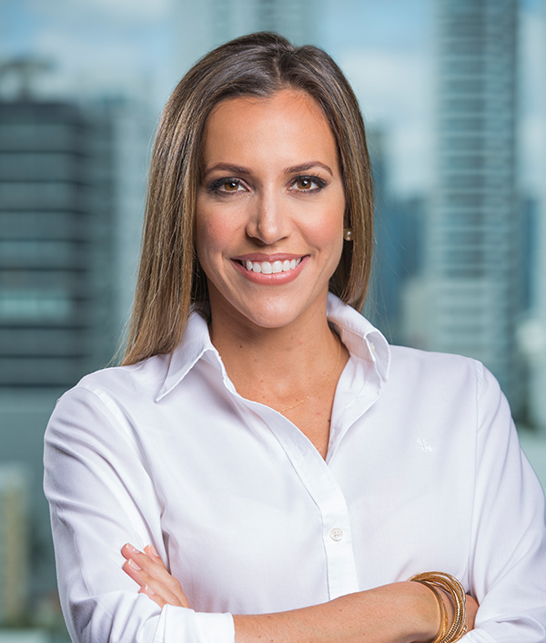Ana María Vallarino  VP Bienes Raíces GVA