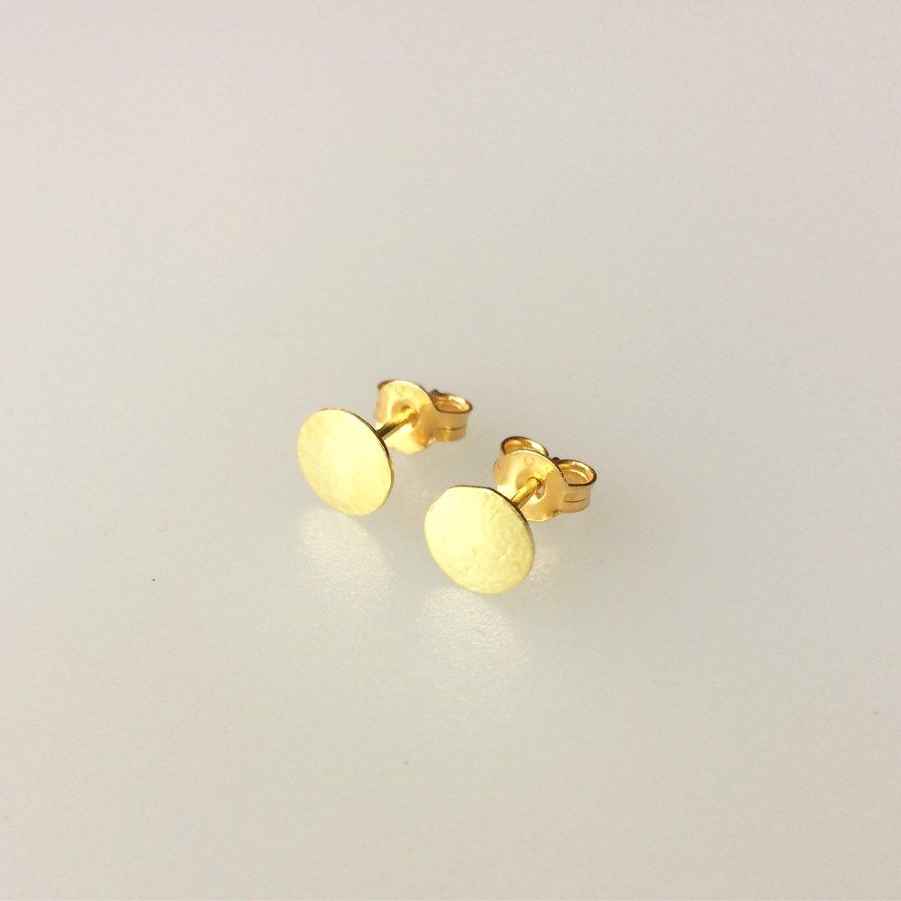 18ct gold stud earrings