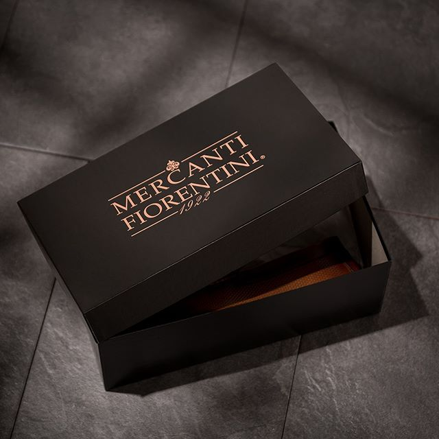 The beauty lies in the box. . . . . #mercantifiorentini #mercantishoes #mymercanti #handcrafted #madeinitaly #leathershoes #fashion #footwear #mensfashion #menswear #ootd #mensshoes