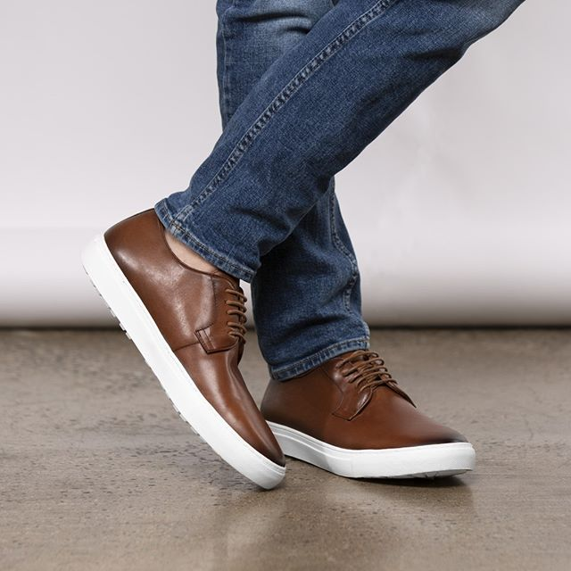 With your favorite suit or your favorite jeans, you can't go wrong with these oxford sneakers. . . . #mercantifiorentini #mercantishoes #mymercanti #handcrafted #madeinitaly #captoeshoes #leathershoes #fashion #footwear #mensfashion #menswear #ootd #mensshoes