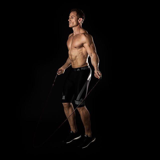 WAYS to Burn Fat Without a Gym! Check out our new #blog post from @dylanjonesp4 on how you can burn maximum calories without even stepping foot in the #gym...#linkinbio
