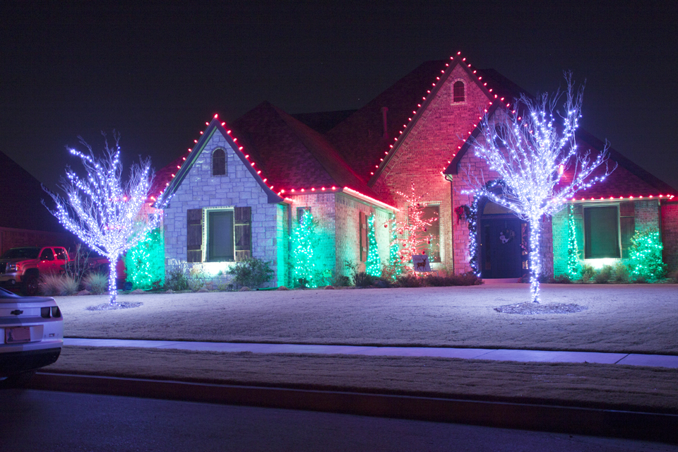 christmas light installations include