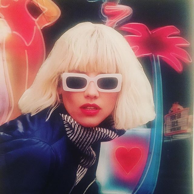 Making #moodboards for #inspiration✨ #oldschool #collage #handson #design #branding #brandingdesign #colorblock #colorblocking #modstyle #neon #sweetshades