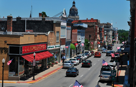 Charming Paris, KY, located 18 miles north of Lexington, offers everything from horses to bourbon, to good food, and historic architecture.