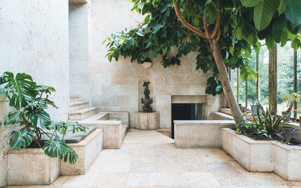 Møderne afholdes i Villa Kulturs smukke omgivelser påØsterbro -