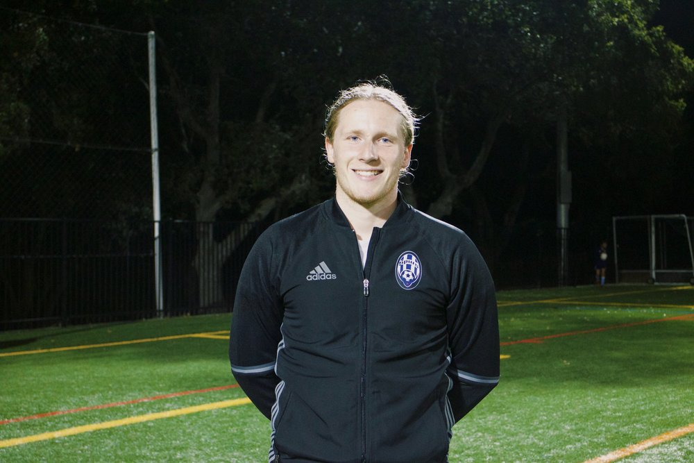 New to the company after finishing school in Indiana, coach Conor is head coach of 3 club level teams and a fantastic goalkeeper coach both for the club and anyone interested in doing mentorship sessions!