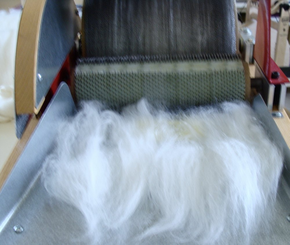 blending merino wool & tussah silk with drum carder