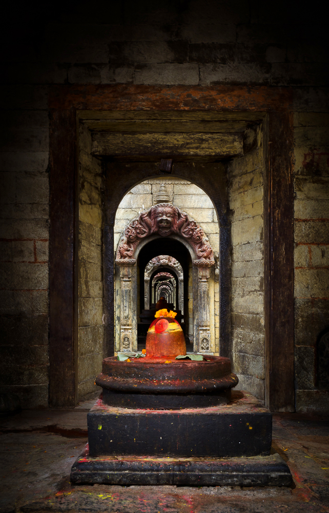 lingam temples pashupati_NPL1481v1-LRG.jpg