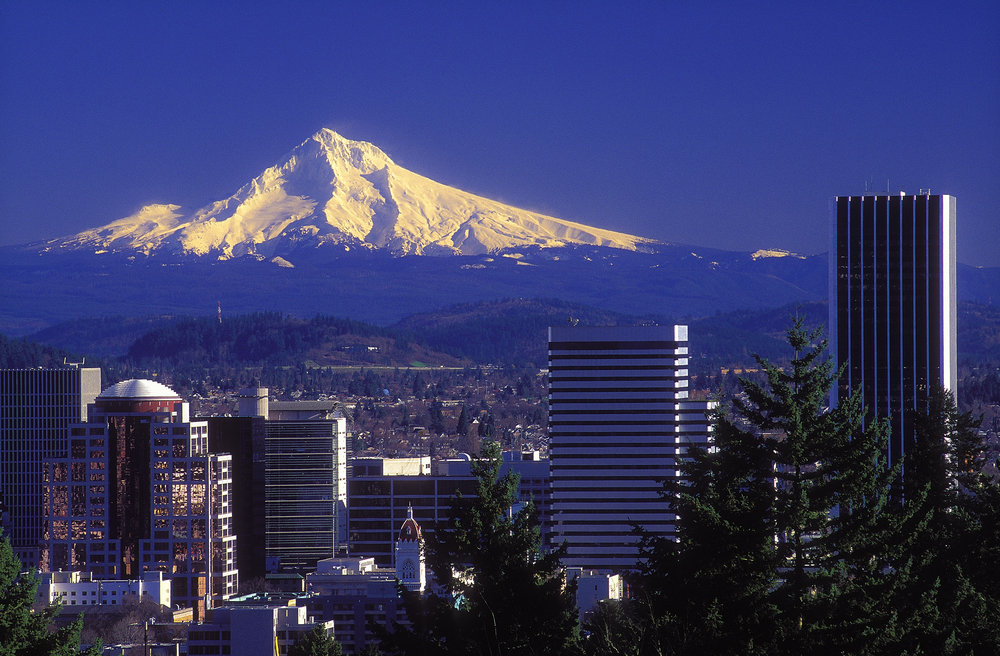 mt hood from portland, oregon. photo © lubosh cech