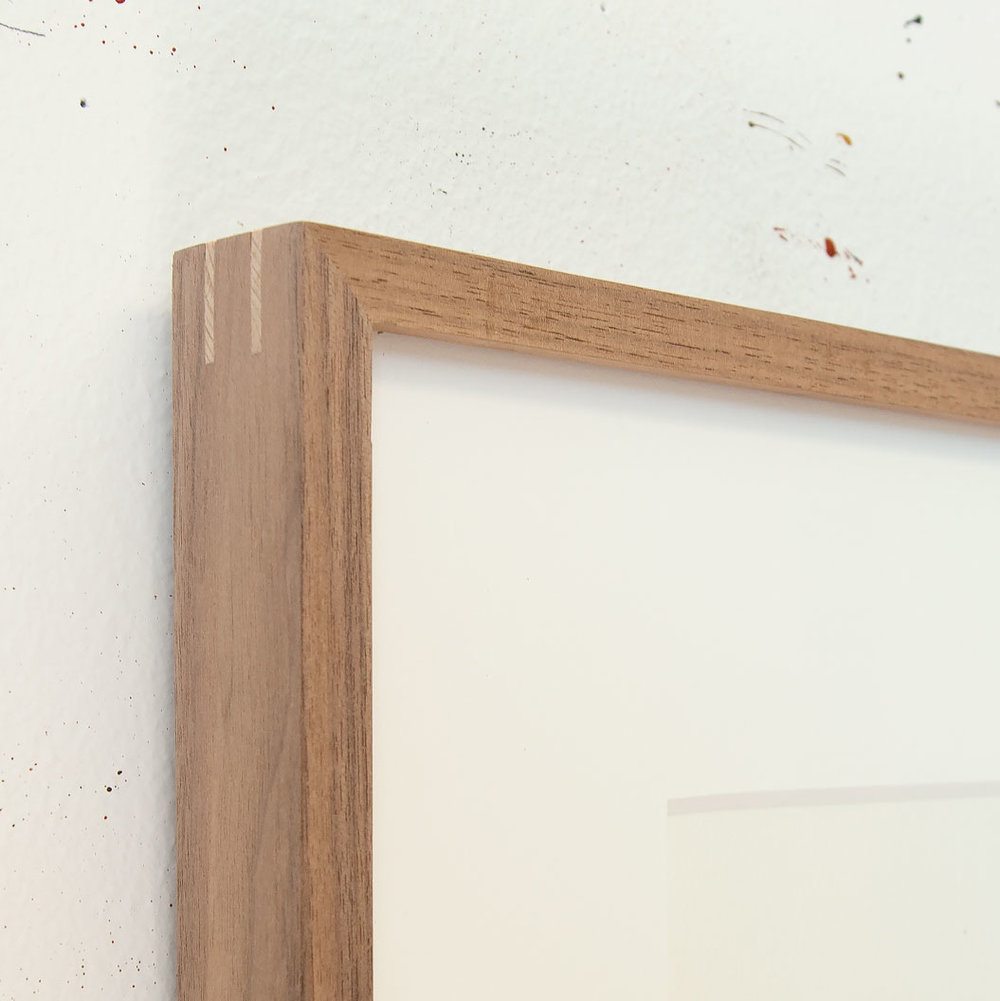 Walnut frame with contrasting spline corners