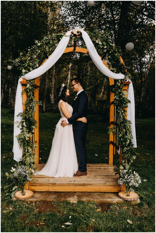 wallace-falls-lodge-wedding-evan-kelsey38.jpg