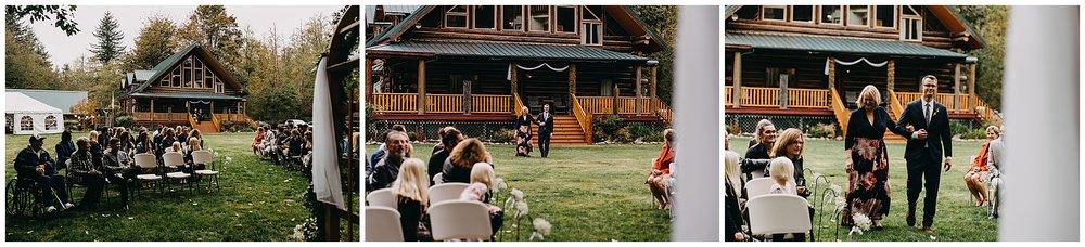 wallace-falls-lodge-wedding-evan-kelsey60.jpg