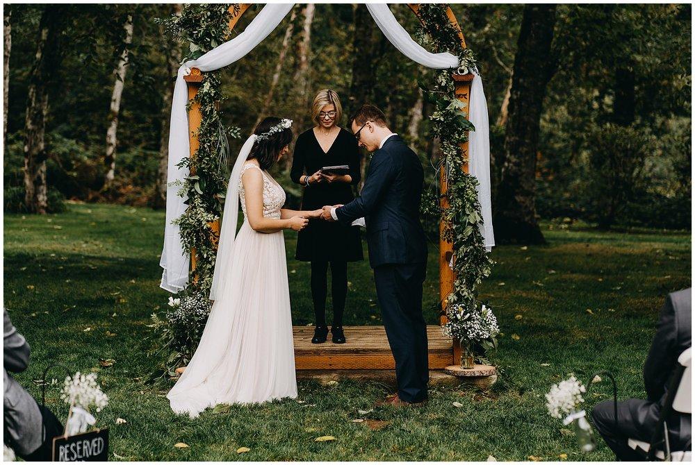 wallace-falls-lodge-wedding-evan-kelsey70.jpg