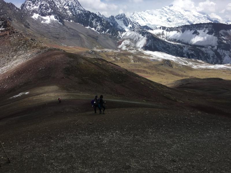 rainbow-mountain-ascent