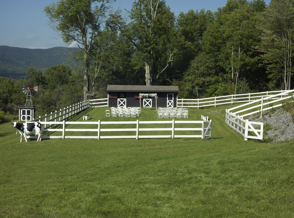 CATSKILL CARRIAGE IS THE EXCLUSIVE TRANSPORTATION PROVIDER FOR THE BEAUTIFUL  CATSKILL MOUNTAIN HOUSE .