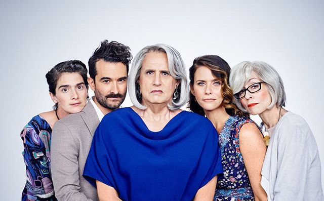 Transparent • Holy smokes season four is brilliant. Compassionate, funny and important. The boundaries are pushed even further and the storytelling is genius, again. Yes this was only released yesterday and yes I have watched the entire season... it's been a big week, I feel totally justified and worthy of this binge!  Enjoy beautiful beings 💙 • #homebeing #transparent #seasonfour #stan #downtime #whatimwatching #weekend #resting #athome #happiness #lifeadmin #nextflixandchill #sage #cleanse #clearing #energy #springhassprung #springtime #newbeginnings #sundayfunday