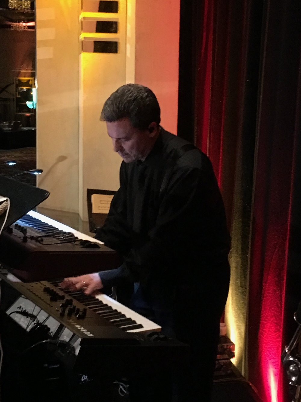 A reflective moment during solo piano with the Al Sofia Band