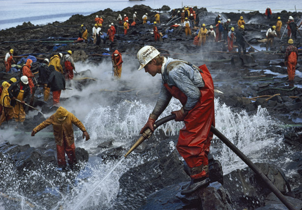 Cleanup efforts from the Exxon Valdez spill of 1989.  From:   http://ngm.nationalgeographic.com/1990/01/alaska-oil-spill/hodgson-text