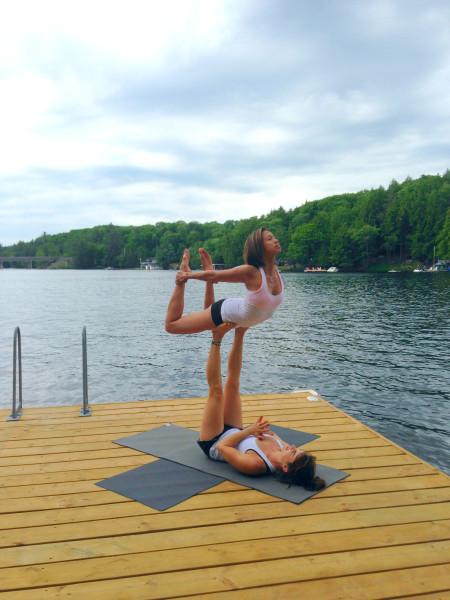 nlom-acro-yoga1.jpg
