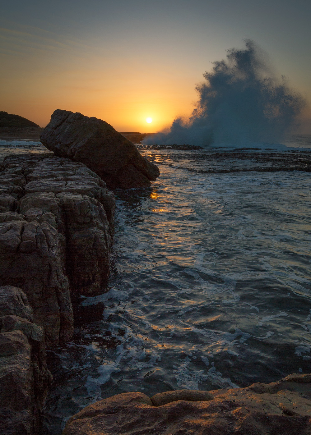 Luputhana – the quintessential view with crashing waves and sculpted rocks.