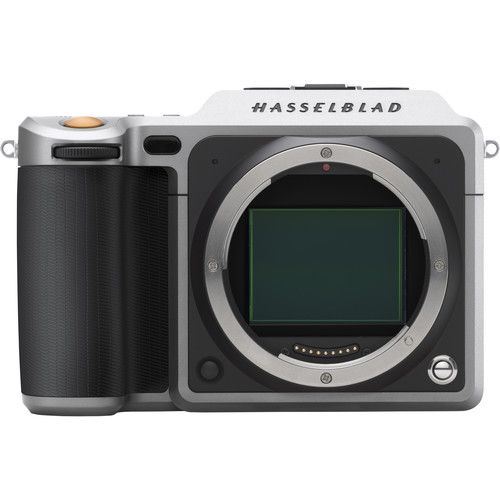 A Hasselblad X1D-50c medium format camera with its enormous 43.8mm x 32.9mm sensor and eye-watering R150,000.00 price-tag.