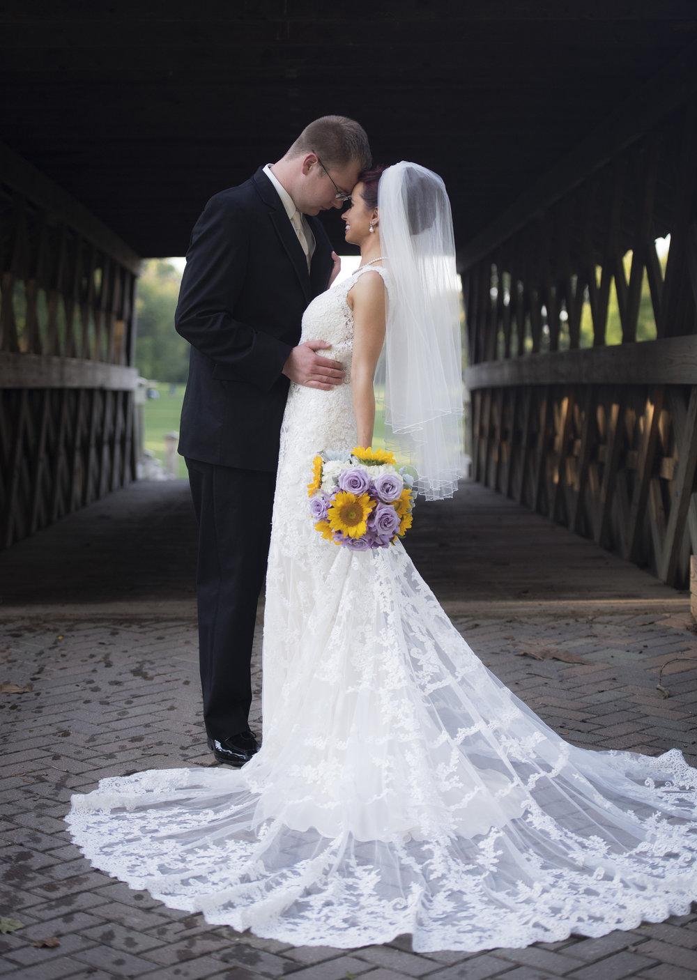 BRIDE&GROOMFORMALS081_1.jpg