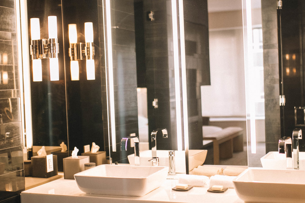 Andaz Wall Street review featured by popular Indianapolis travel blogger, Trendy in Indy