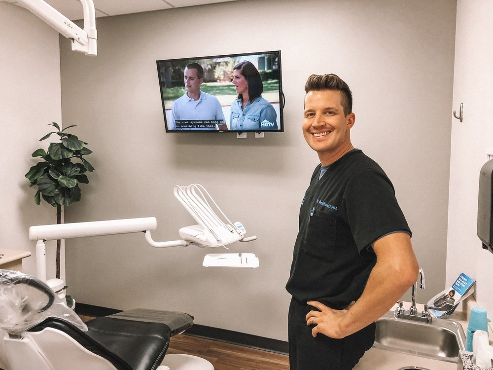 North Meridian Dental Excellence review by popular Indianapolis life and style blogger, Trendy in Indy