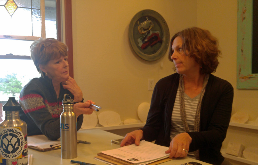 Susan West and Barbara Garrity-Blake conducting an oral history interviewing workshop in Avon in 2016.