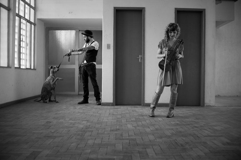 Beta e Sid Hound por Paulo Rorschach