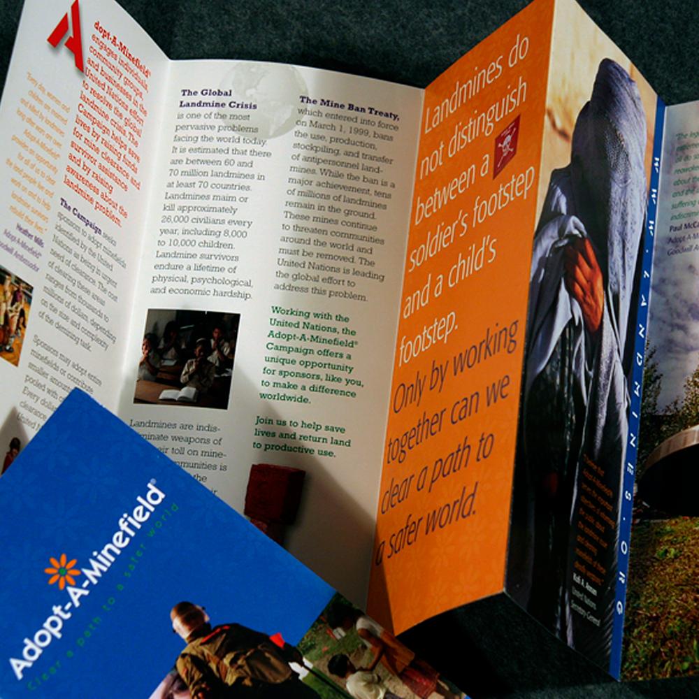 UNA_AAM_brochure_2x.png
