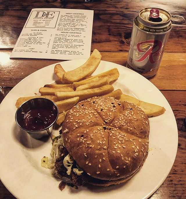 $10 Rainer and Chicken Sandwich only at D&E. Check out the recent blogpost about new bars in Seattle! #Barzy #Barzyapp #pioneersquare #rainerbeer
